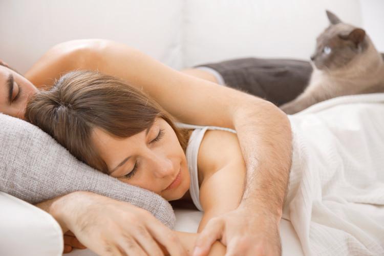 Czy melatonina poprawia jakość snu?