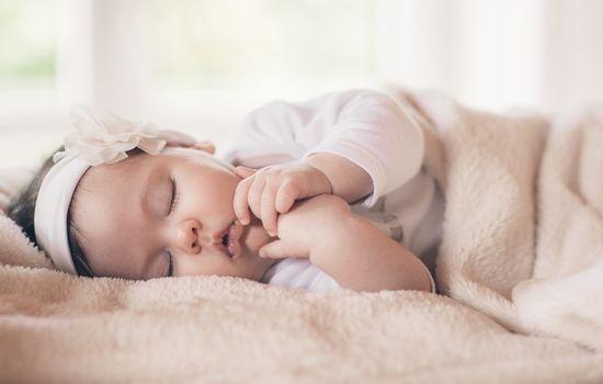 Od kiedy poduszka ortopedyczna dla niemowląt?
