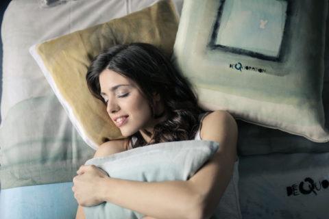 Smartbandy z funkcją monitorowania snu - czy warto